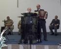 Sd aceita a Jesus em Culto de Militares