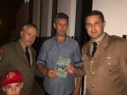 Vários militares presentes