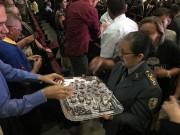 Santa Ceia ministrada pelas autoridades e líderes