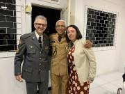 Militares em união no culto militar